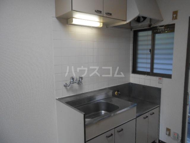 稲荷山ハイツ 1-G号室のキッチン