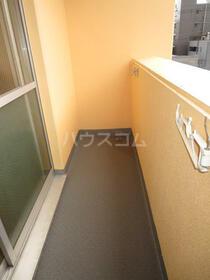 モルゲンロート蒔田 504号室のバルコニー