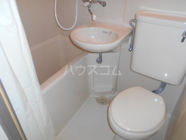 メゾン上倉田 203号室の風呂