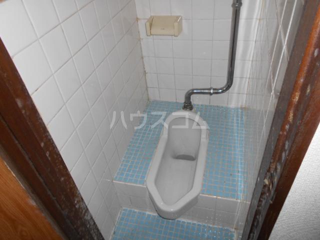 アートビル 301号室のトイレ