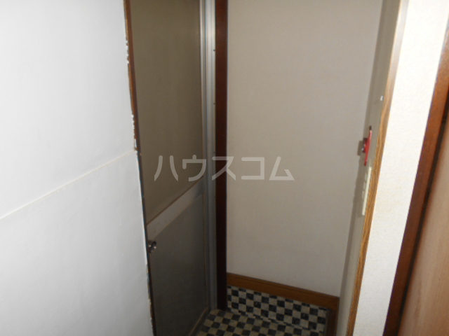 アートビル 301号室の玄関