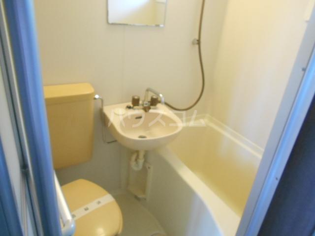 コテージ戸塚 201号室の風呂
