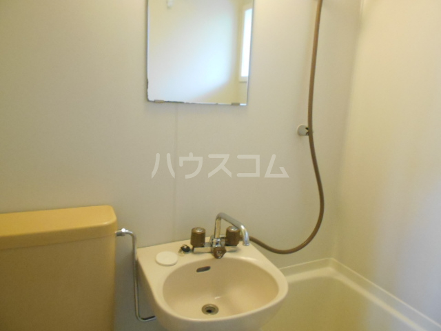 コテージ戸塚 201号室の洗面所