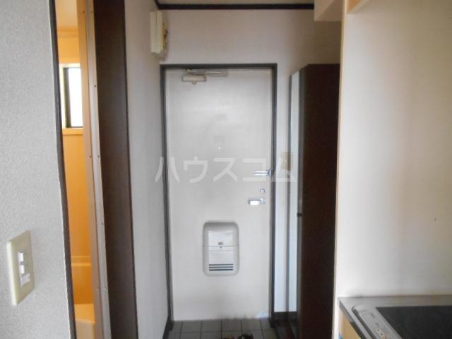 コテージ戸塚 201号室の玄関