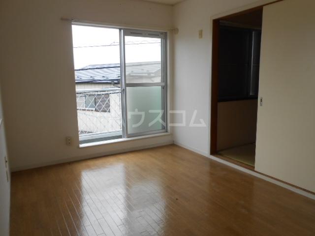 ベルハウス22 201号室のリビング
