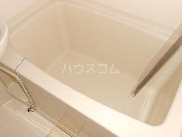 ハイツ・シーウェスト 102号室の風呂