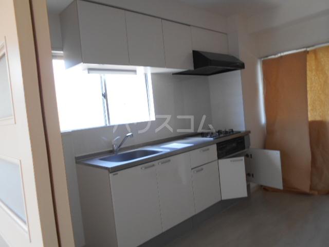 パークサイドマンション 303号室のキッチン