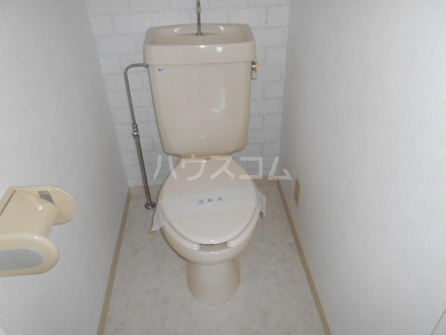 パークサイドマンション 303号室のトイレ