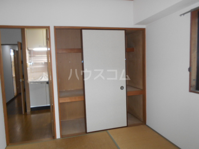 サンヴァレイ 105号室の収納