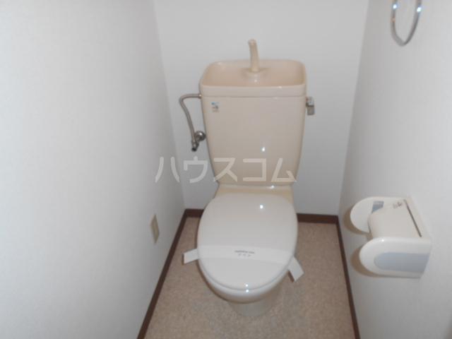 サンヴァレイ 105号室のトイレ