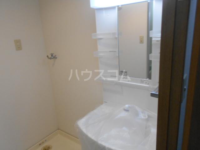 サンヴァレイ 105号室の洗面所