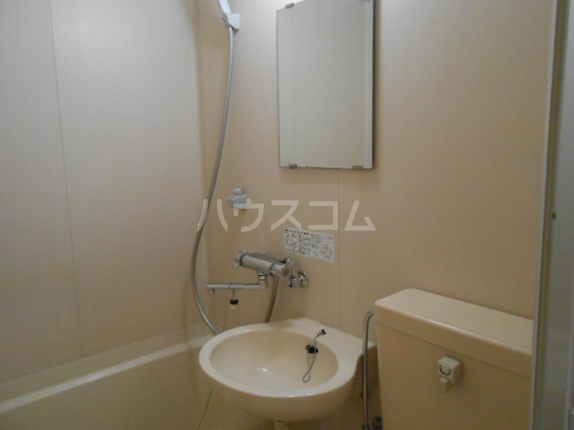 パルコホリウチ 101号室の洗面所