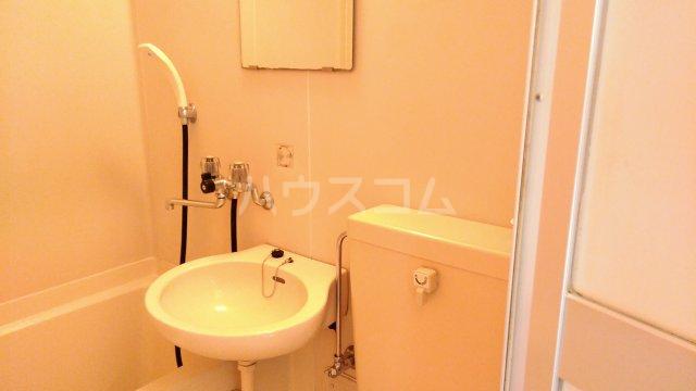 パルコホリウチ 102号室の洗面所
