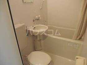 パークサイド本牧 301号室の風呂