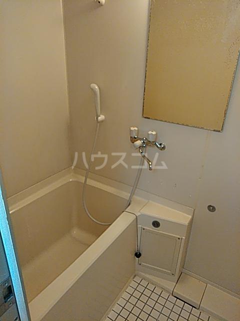 ビューフラット磯子 102号室の風呂
