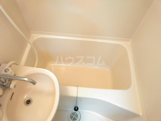 ヤガラハイツⅡ 202号室の風呂