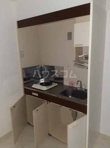 ピアレジ青山Ⅲ 104号室のキッチン
