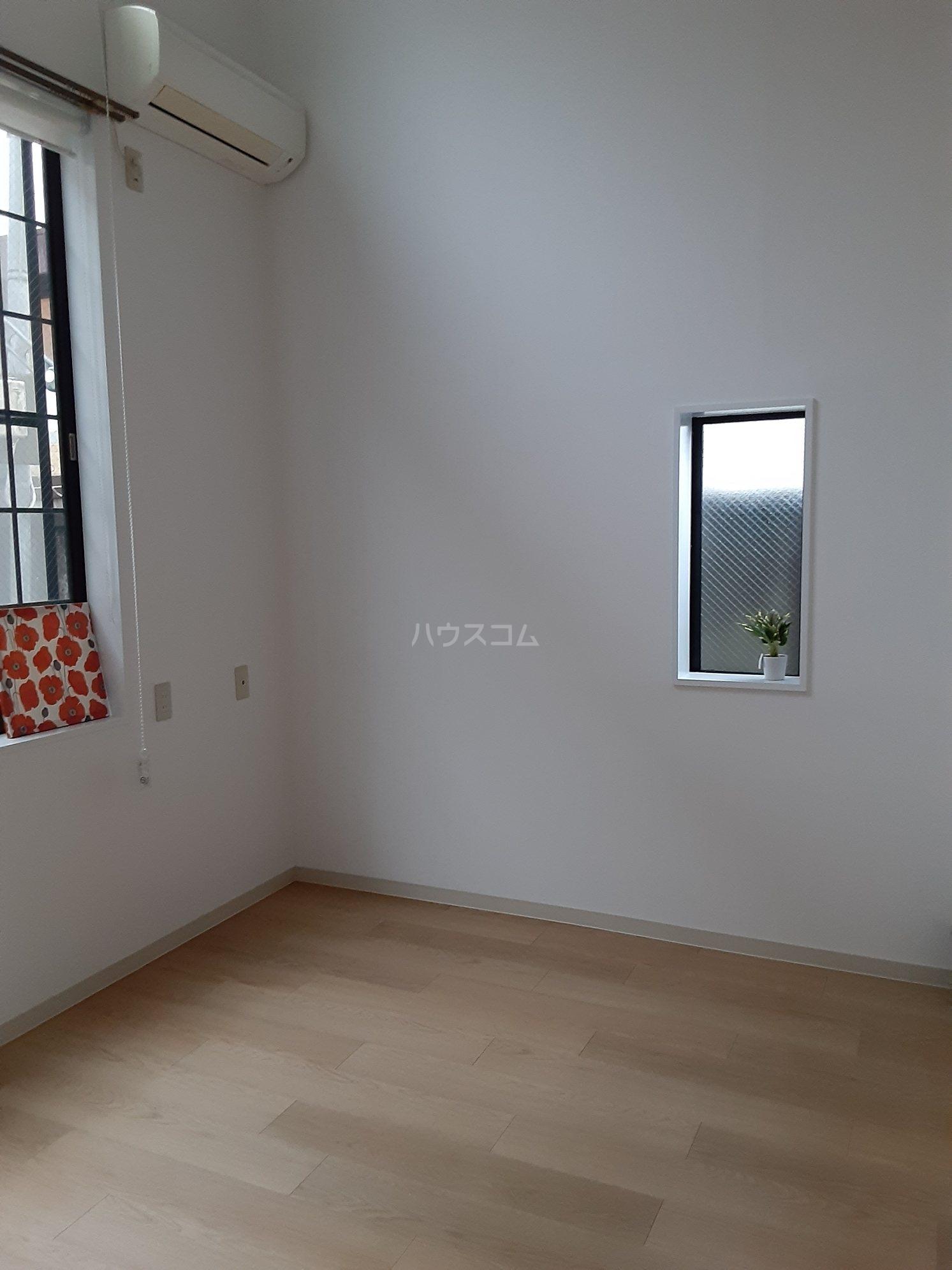 ピアレジ青山Ⅲ 104号室のリビング