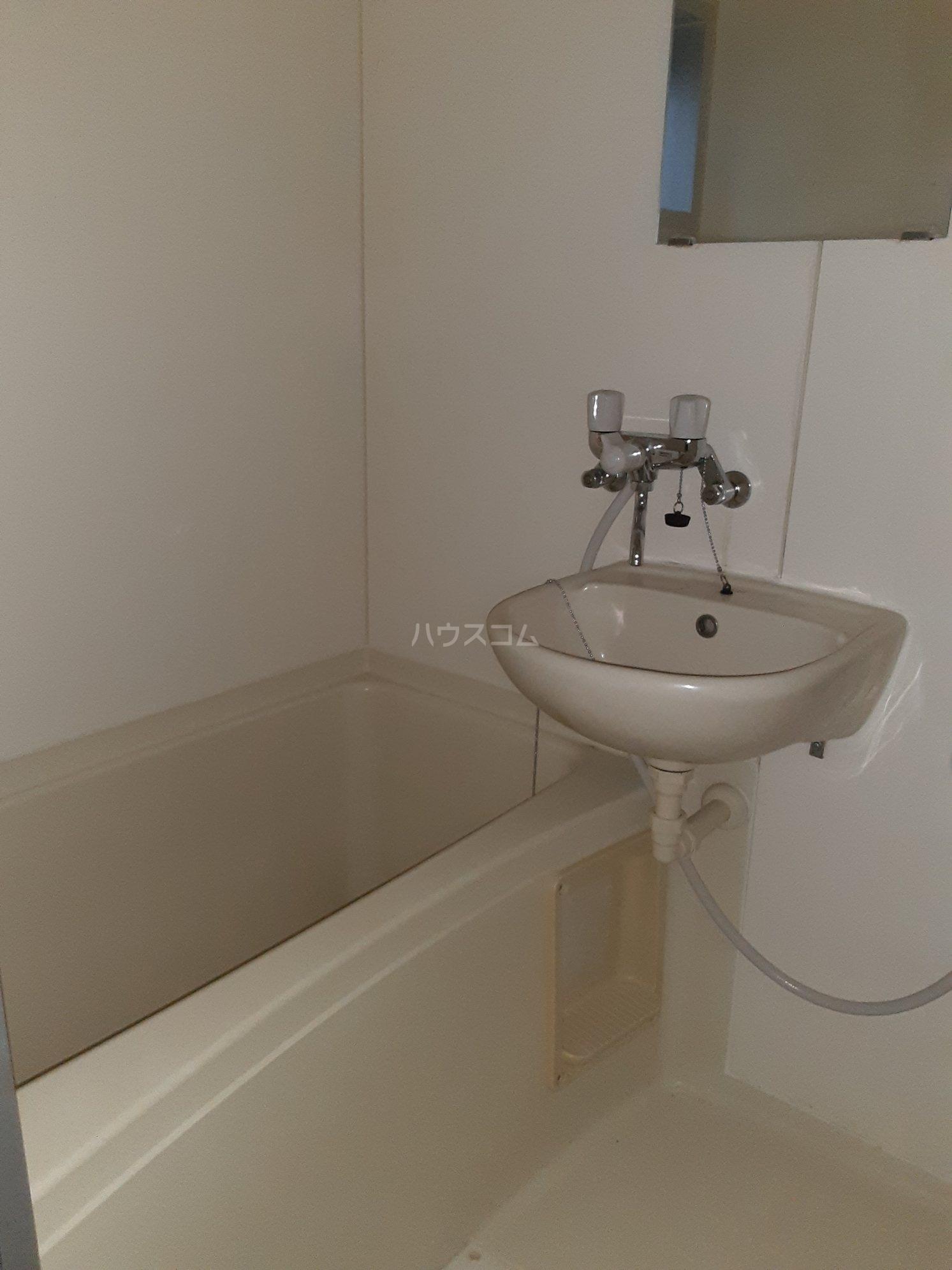 ピアレジ青山Ⅲ 104号室の風呂