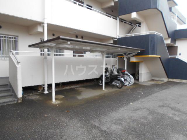 カネコハイツ 202号室の駐車場