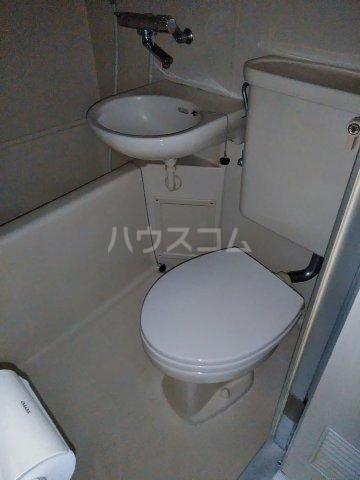 ヒロ・ロイヤルハイツ東林間 206号室のトイレ