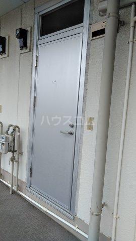 旭町ビル 302号室の玄関