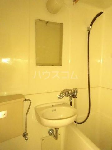 アップルハウス鶴間 102号室の洗面所