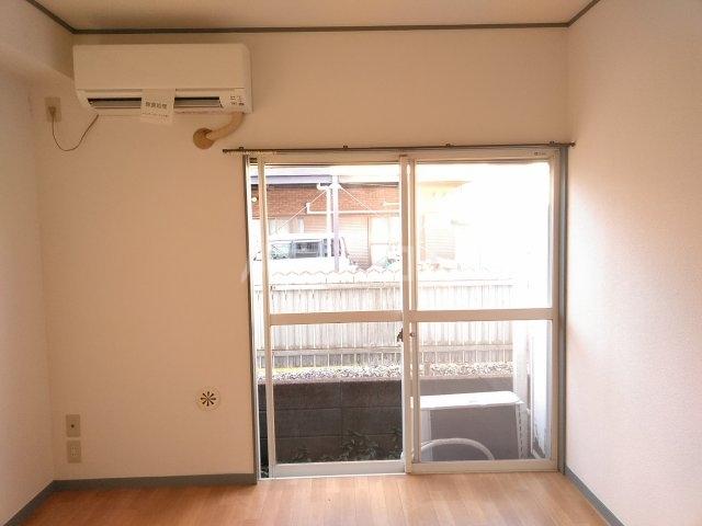 アップルハウス鶴間 102号室のベッドルーム