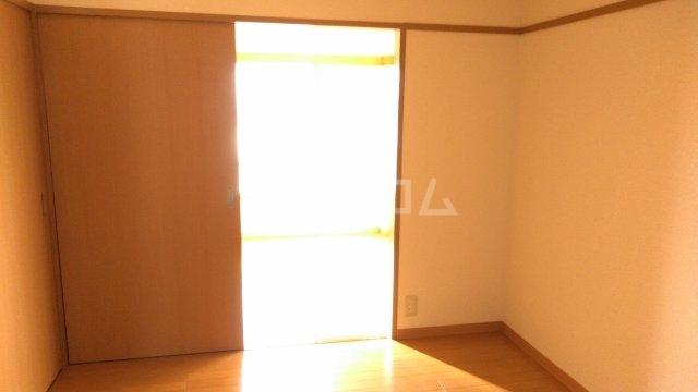 コーポ富沢 203号室のベッドルーム