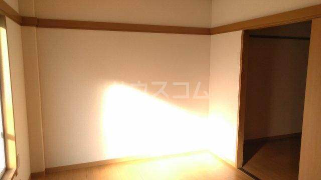 コーポ富沢 203号室の居室
