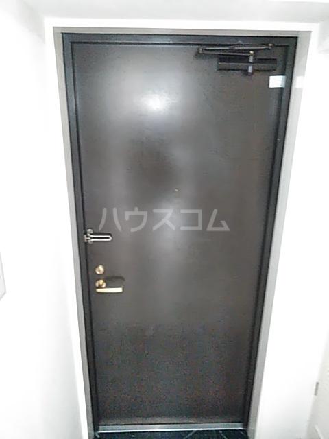 朝日プラザ港南中央 303号室の玄関