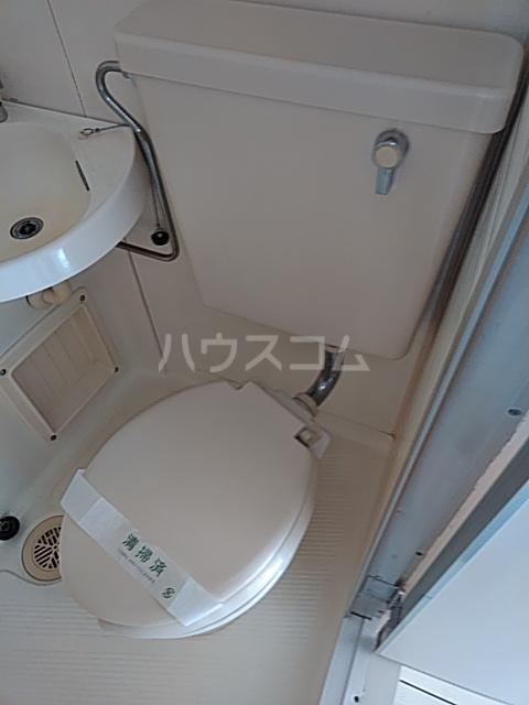 朝日プラザ港南中央 303号室のトイレ