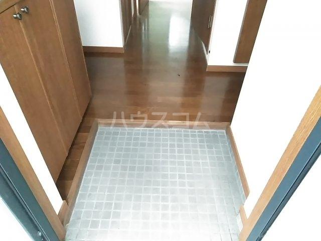 ディオ・パティオ 203号室の玄関