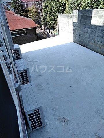 ユナイト弘明寺ヘンリーマンシーニ 205号室のバルコニー
