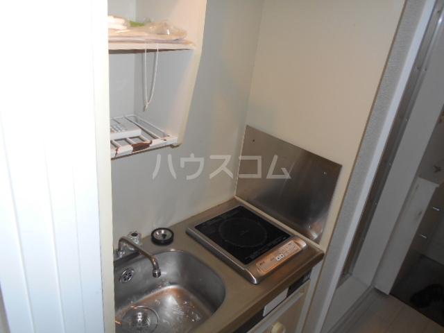 メゾン・アイリスⅡ 207号室のキッチン
