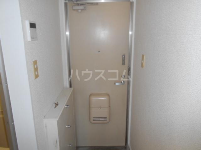 メゾン・アイリスⅡ 207号室の玄関