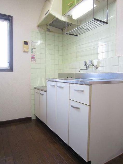 ストークハイツ田口 203号室のキッチン