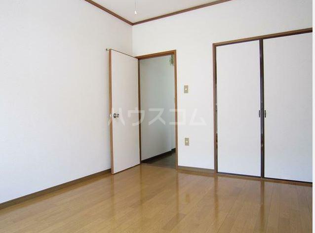 ストークハイツ田口 203号室のベッドルーム