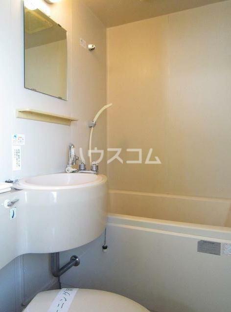 ストークハイツ田口 203号室の洗面所