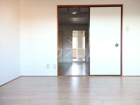 パレス南光 302号室のベッドルーム