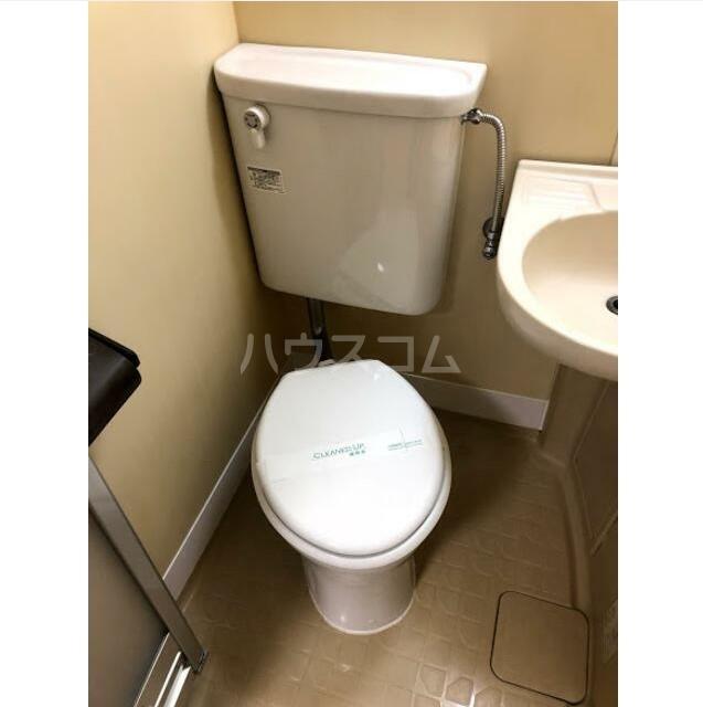 ポートハイム前里町 205号室のトイレ