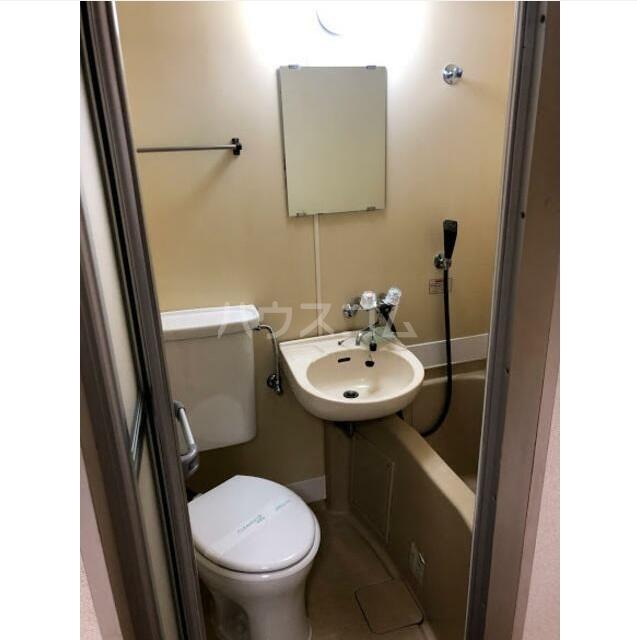 ポートハイム前里町 205号室の洗面所