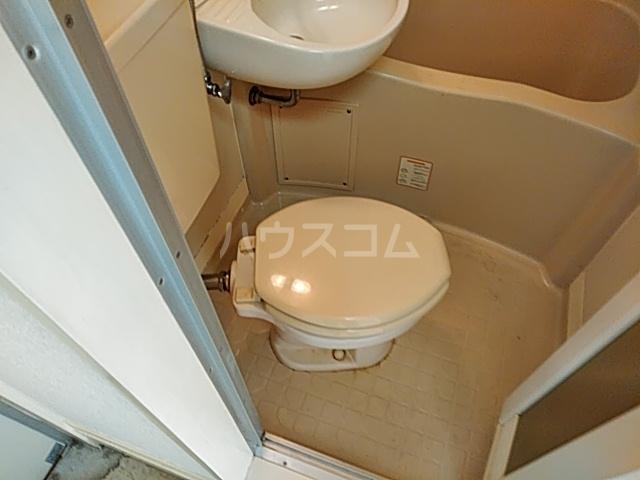 ツインコート 108号室のトイレ