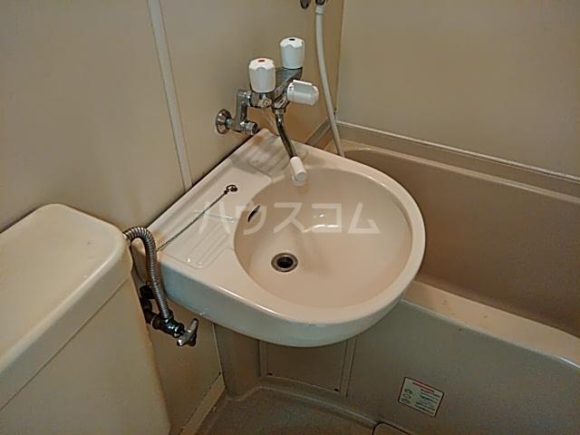 ツインコート 108号室の洗面所