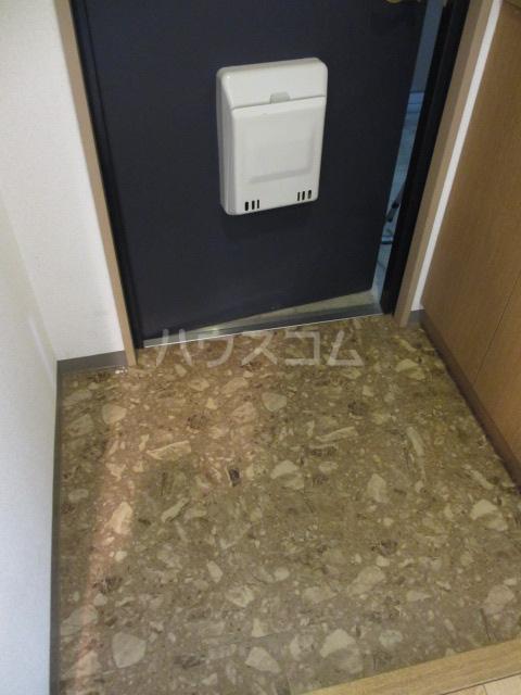 それいゆ泉 303号室の玄関