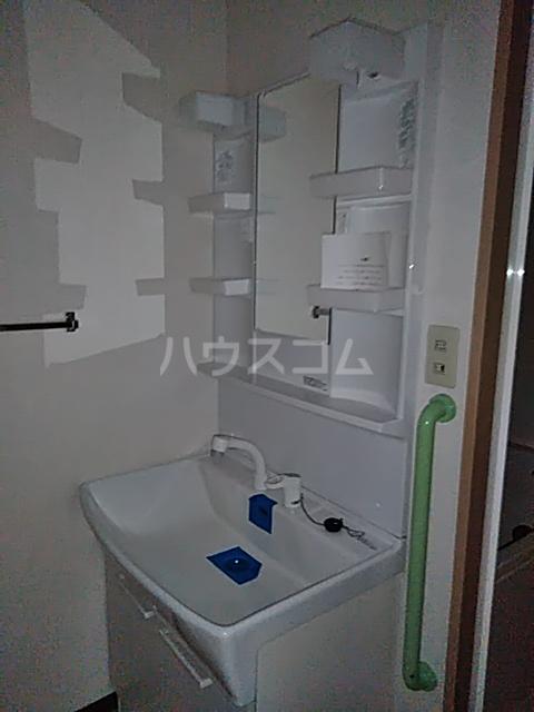 それいゆ泉 603号室の洗面所