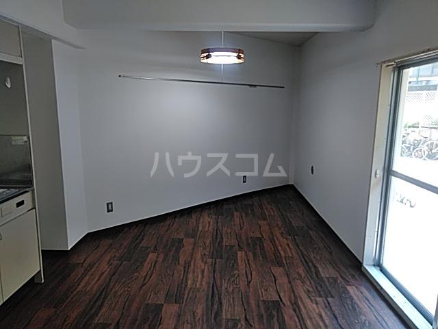 プロバンス 105号室のリビング