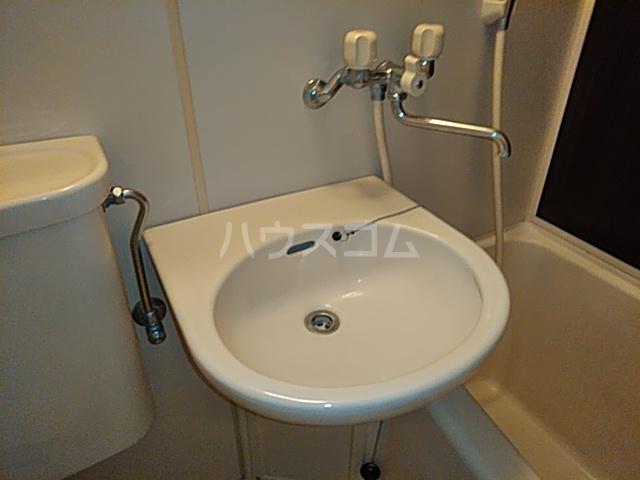 プロバンス 105号室の洗面所