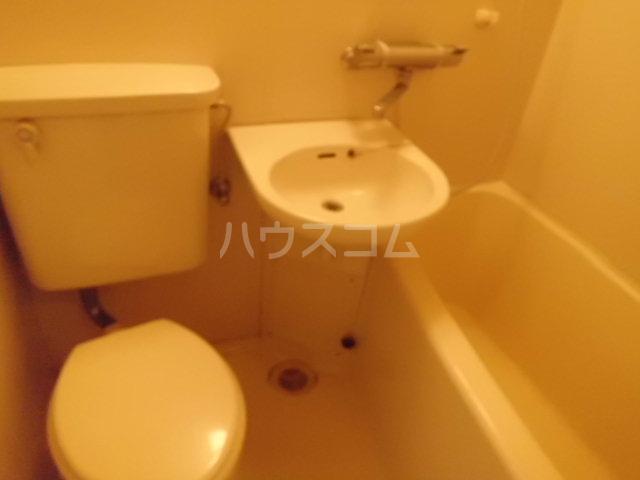 プロバンス 110号室のトイレ