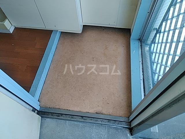 プロバンス 206号室の玄関